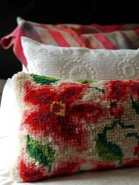 Floral Latch Hook Lumbar Pillow Bed