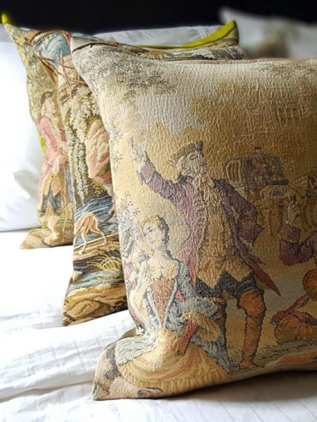 French Tapestry Throw Pillow Set